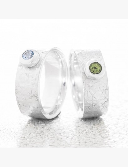 Strukturierter Ring mit Topas & Peridot