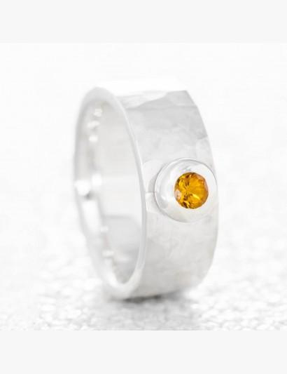 Geschmiedeter Ring mit Citrin