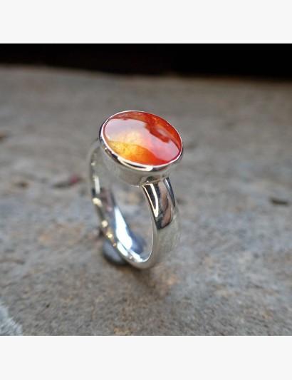Schlichter Ring mit Quarz