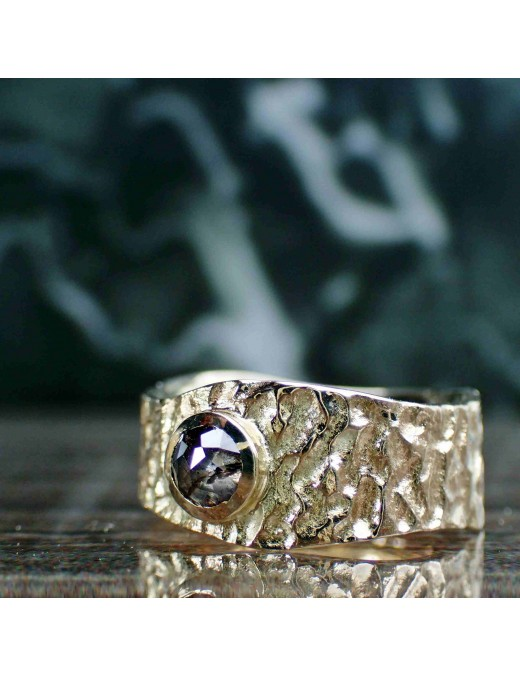 Gelbgoldener Knautschi-Ring mit Diamant-Rose