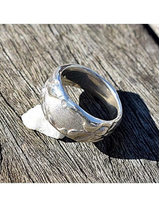 Ring mit Kleks-Struktur für Männer