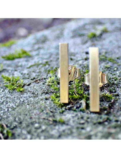 Stäbchen-Ohrringe mit mattierter Oberfläche