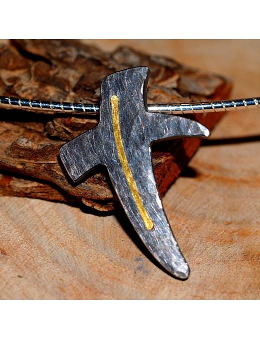 Geschmiedetes Silber-Kreuz mit Feingold
