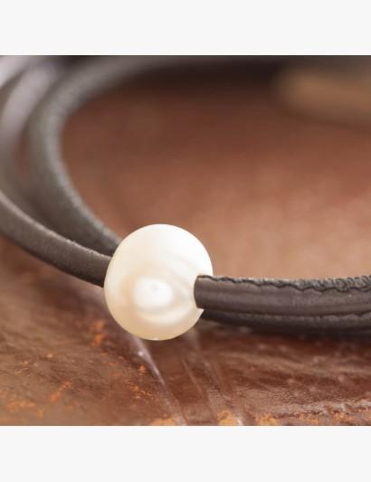 Wickelarmband aus Leder mit Perle