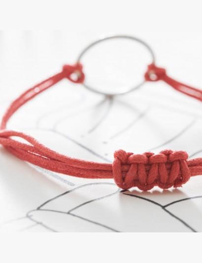 Makramee-Armband mit Ring